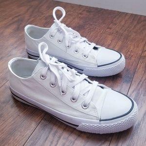White Airwalk Sneakers Size 7